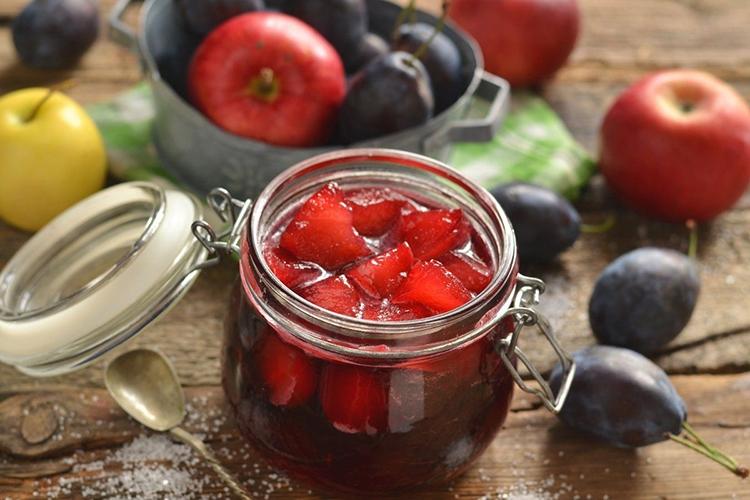 Варенье из яблок со сливами