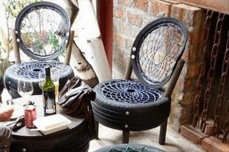 стулья из покрышек для дачи