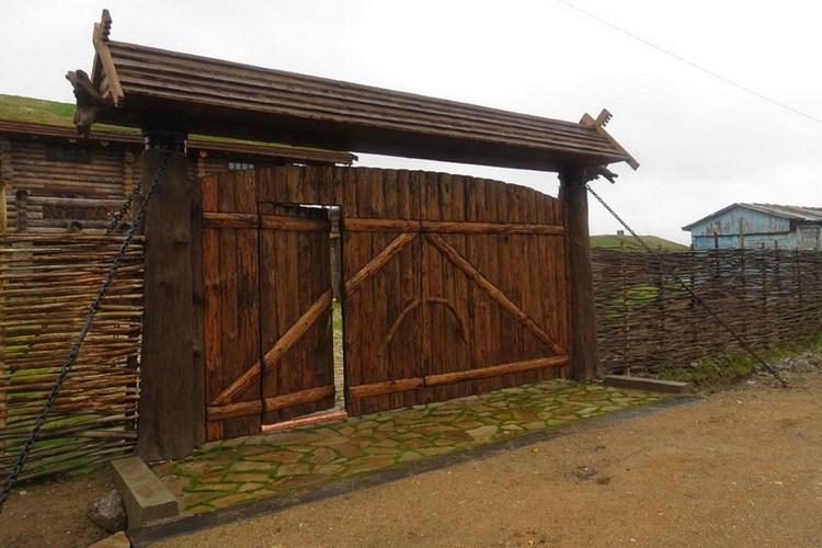 калитка и ворота из горбыля