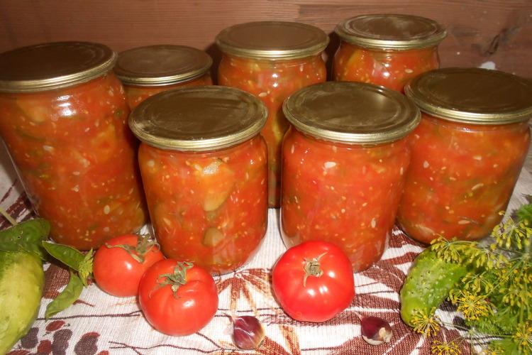 огурцы, помидоры и лук